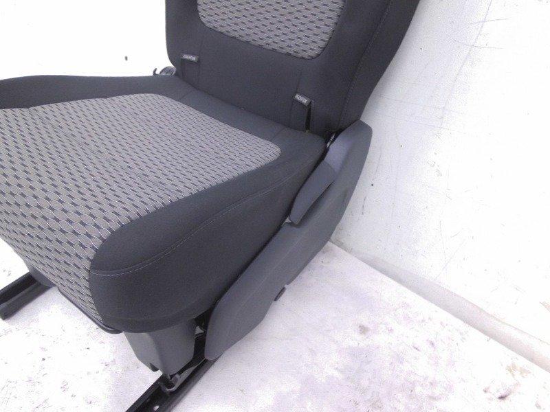 sitz hinten links vw sharan 7n 2011. Black Bedroom Furniture Sets. Home Design Ideas