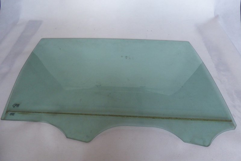 DOOR WINDOW GLASS RIGHT REAR SHARAN SEAT ALHAMBRA 7N0845206