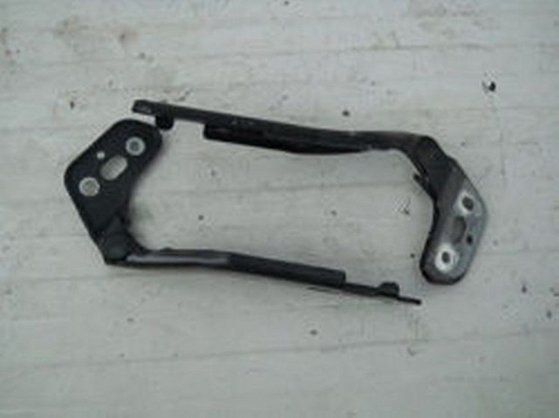 FLAP HINGE RIGHT AUDI A6 4F0823302